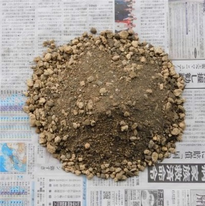 鹿沼土:腐葉土:砂が5:4:1の土